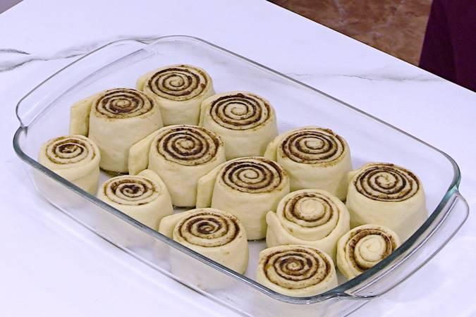 Hornear los cinnamon rolls