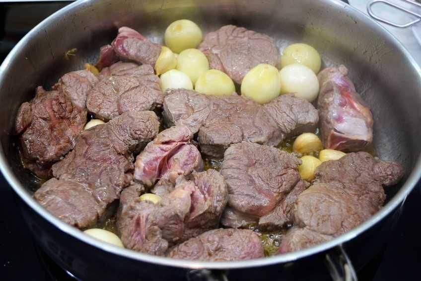 Paso 3 de Ternera estofada con verduras