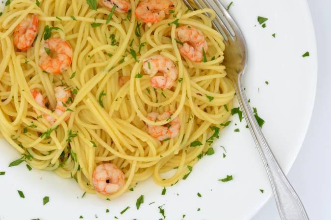 Ya hemos terminado los espaguetis con gambas al ajillo
