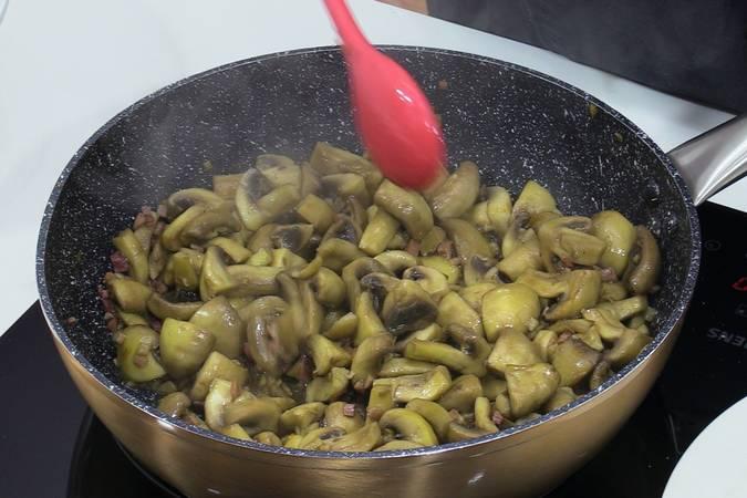 Cocinar los champiñones