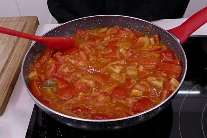 Agregar los tomates