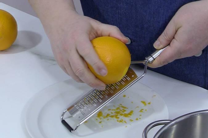 Rallar la piel de naranja