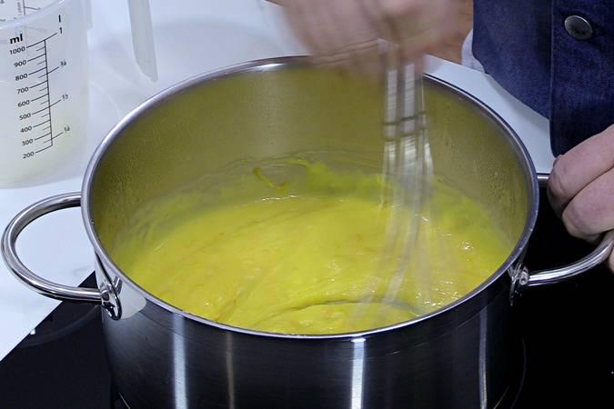 Rematar la crema de naranja