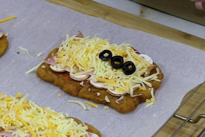 Montar la pizza sobre el filete