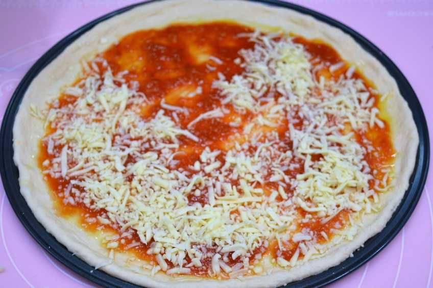 Paso 2 de Pizza hawaiana con masa casera