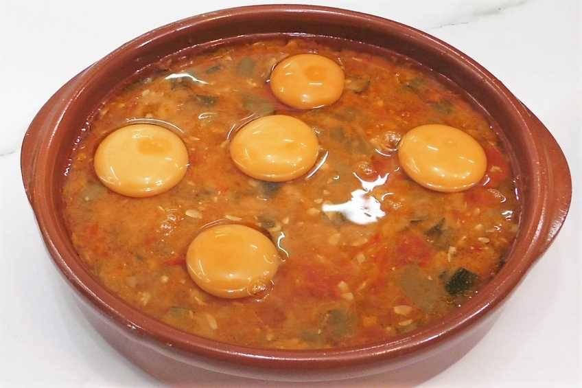 Paso 2 de Receta de huevos con pisto