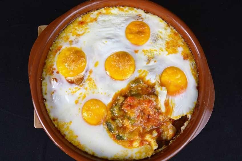 Paso 4 de Receta de huevos con pisto