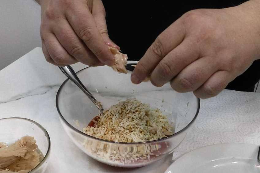 Paso 1 de Empanadillas de bonito, receta casera