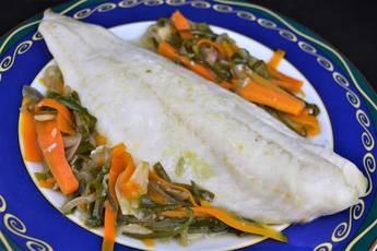 Bacalao con verduras en papillote ideal para hacer dieta