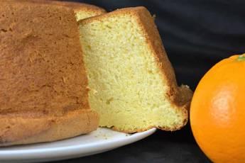 Bizcocho de naranja esponjoso