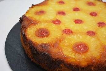 Receta de bizcocho con piña caramelizada