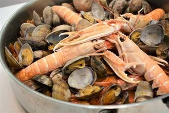 Caldereta de pescado y marisco, la receta de mi abuela