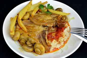 Chuletas de cerdo a la napolitana