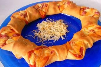 Corona de Pizza de Jamón y Queso