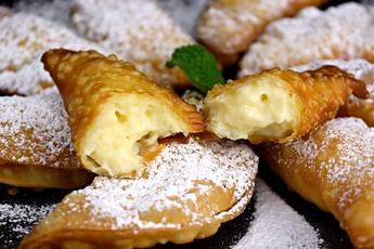 Empanadillas rellenas con crema pastelera de limón