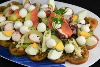 Ensalada nutritiva y fresca, ideal para el verano