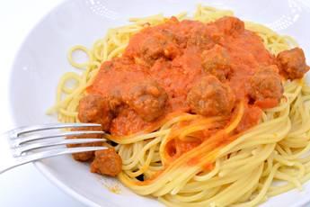 Espaguetis con albóndigas en Mycook Touch