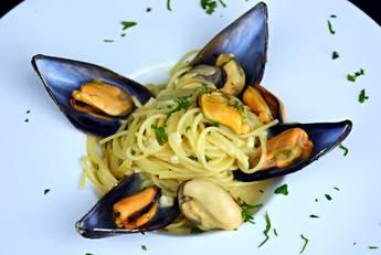 Espaguetis con mejillones a la marinera