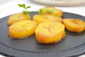 Patatas asadas con caldo de carne
