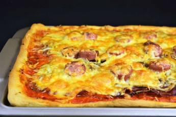 Pizza casera de jamón ibérico