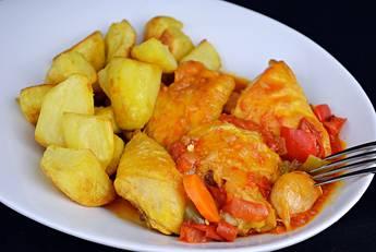 Pollo a la riojana con patatas
