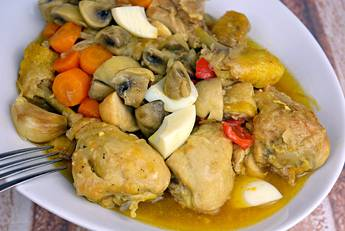 Como hacer pollo en pepitoria, receta tradicional