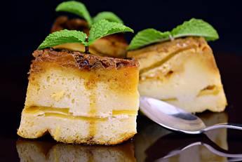 Pudin de manzana con bizcocho
