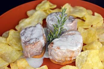 Solomillo de cerdo con salsa de queso azul