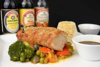 Solomillo de cerdo con salsa teriyaki y verduras