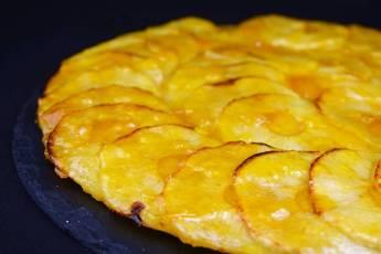 Tarta de manzana en forma de pizza