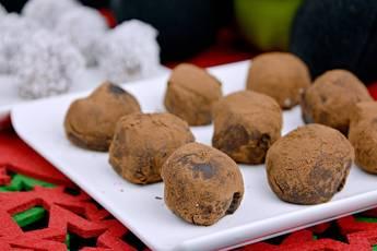 Trufas de chocolate rebozadas en cacao y coco rallado