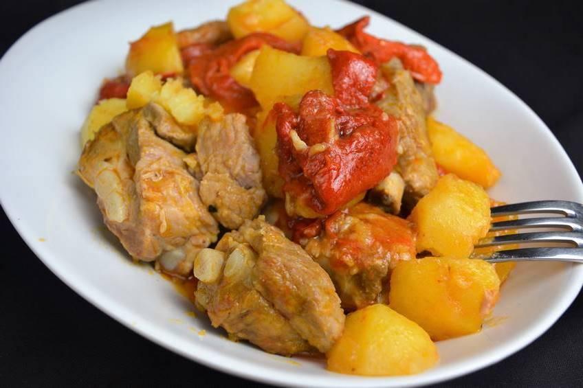 costilla de cerdo con patatas