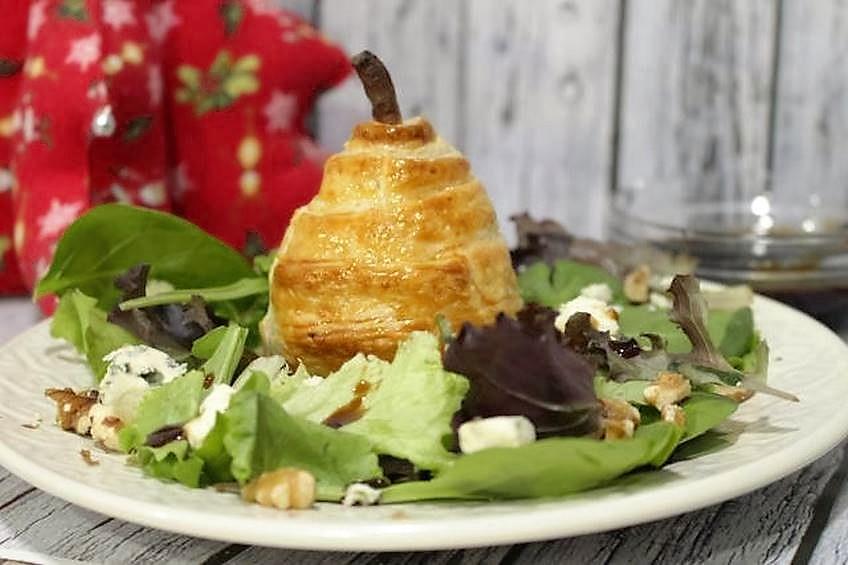 Ensalada de pera en hojaldre for Cocina familiar