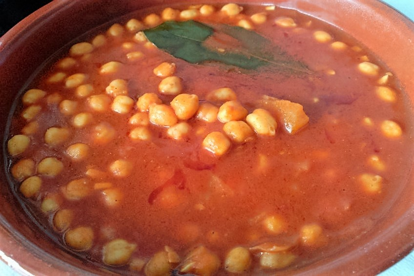 Garbanzos guisados con tomate - Preparacion de garbanzos cocidos ...