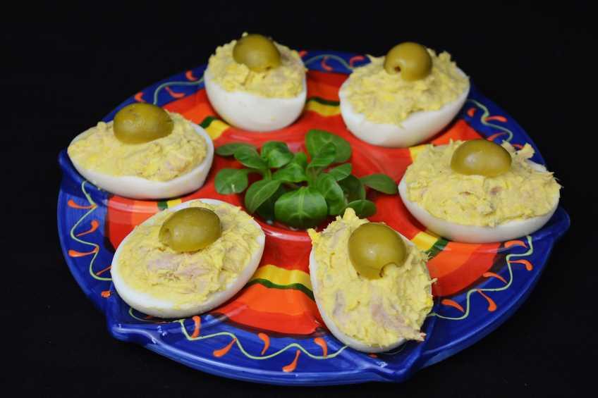 Huevos rellenos receta casera for Recetas cocina casera