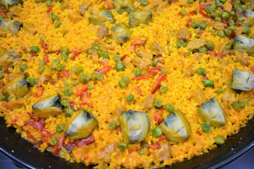 Paella de arroz con magro de cerdo y verduras de temporada for Javier romero cocina