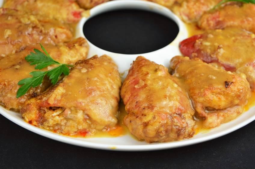 Receta de pimientos rellenos de carne con salsa de cebolla - Salsa para relleno de carne ...