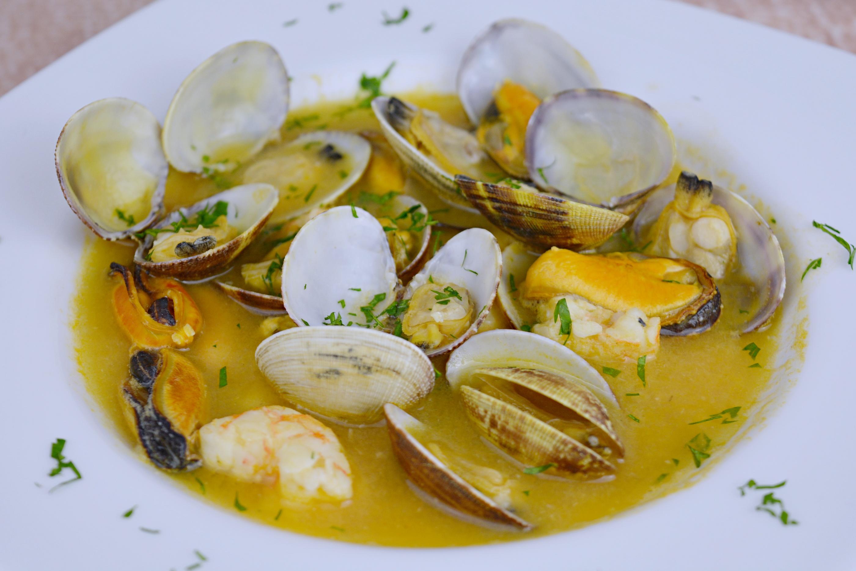 Sopa de pescado y marisco for Canelones de pescado y marisco