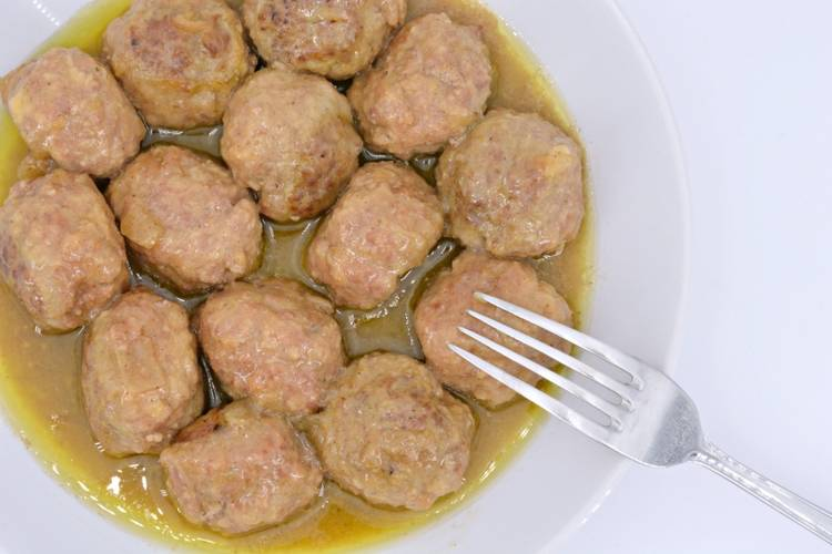 Albóndigas caseras con salsa española