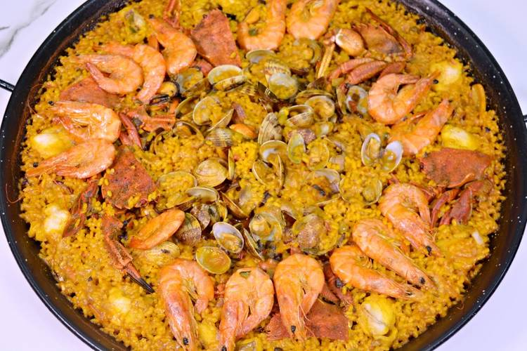Arroz a la marinera con rape y marisco