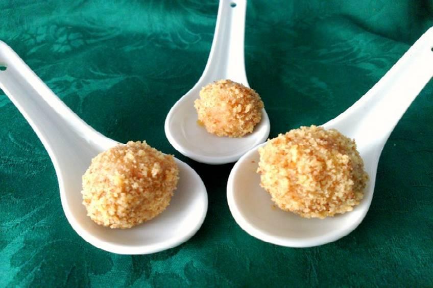 Bolitas de queso de cabra y nueces