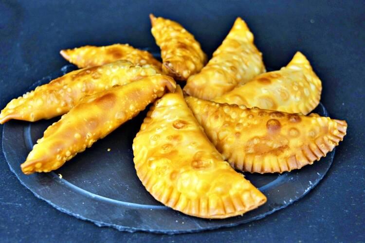 Empanadillas con revuelto de setas y foie