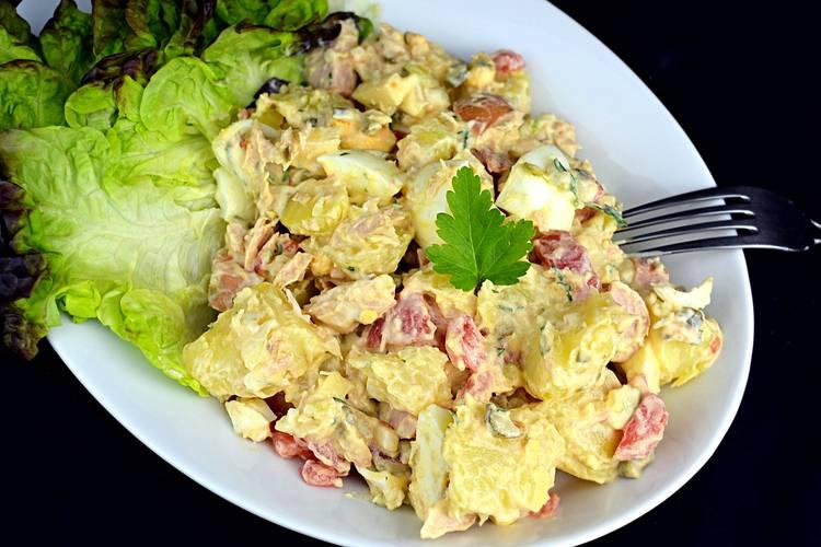 Ensalada de patata con salsa tártara