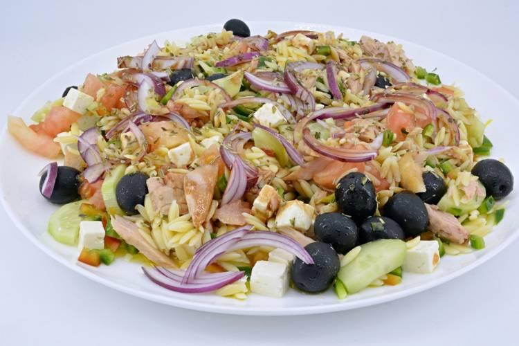 Ensalada griega muy fácil y fresca