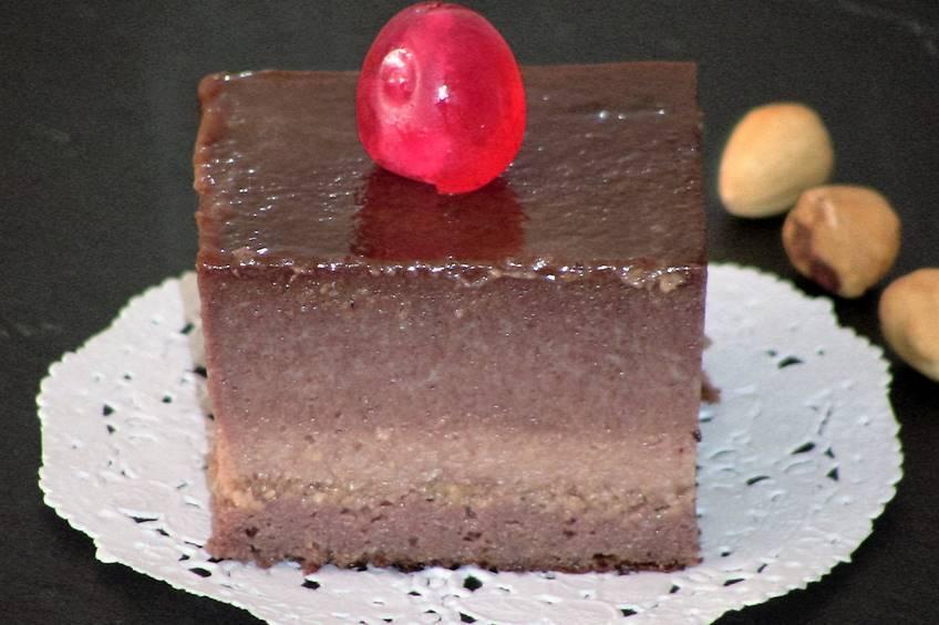 Flan de cacao con avellanas, receta casera