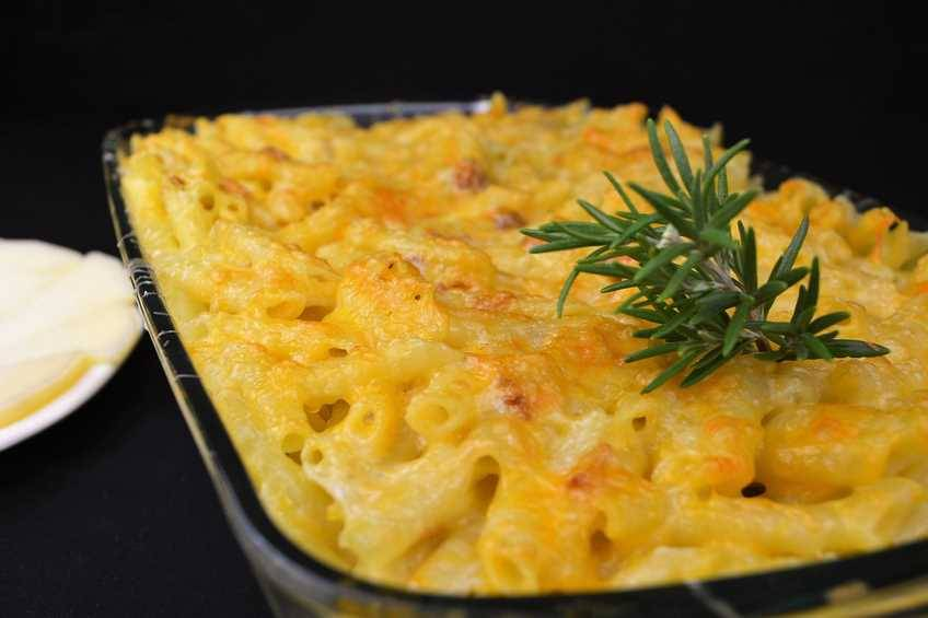 Macarrones cuatro quesos con ajoaceite