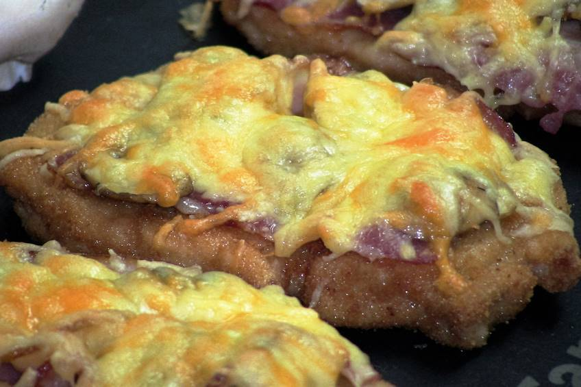 Minipizza falsa de bacón y champiñones