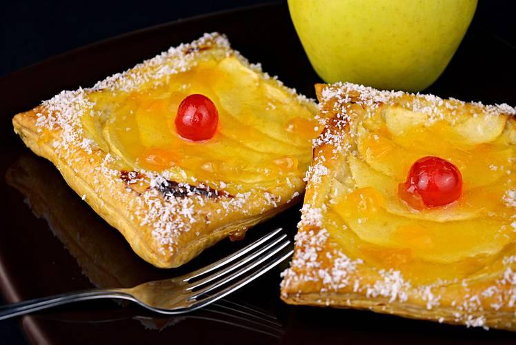 Receta para hacer pasteles de manzana y crema pastelera