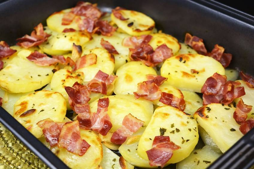 Patatas al ajillo con beicon