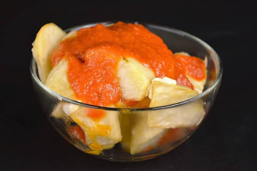 Receta de patatas bravas con salsa casera picante